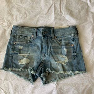 mid waisted american eagle shorts